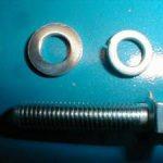 Schraube M7 mit Scheibe und Ferderring